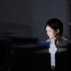 夜勤する女性